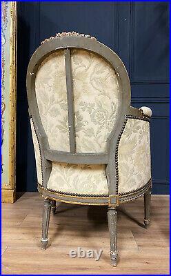 Paire De Bergeres Dépoque Napoleon III En Bois Peint Et Doré De Style Louis XVI