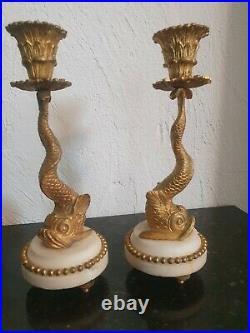 Paire De Bougeoirs Style Louis XVI aux Dauphins Bronze et Marbre style XVIII ÈME