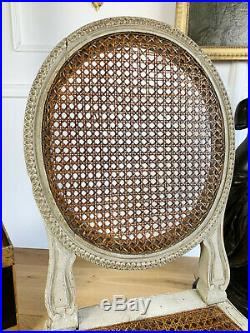 Paire De Chaises Cannées D'époque Napoléon III En Bois Patiné De Style Louis XVI