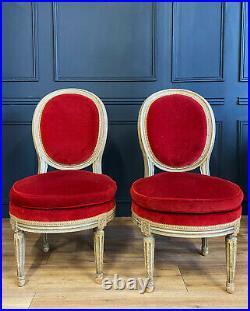 Paire De Chauffeuses D'époque Napoléon III En Bois Peint De Style Louis XVI