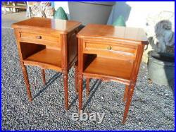 Paire De Chevets Epoque 1970/90 De Style Louis 16 En Merisier