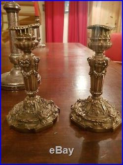 Paire de Bougeoirs Ancien style Louis XVI en métal argenté