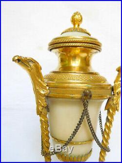 Paire de cassolettes à bougeoirs renversés BRONZE DORE & MARBRE, style Louis XVI