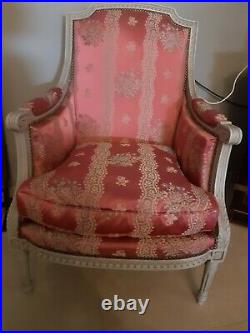 Paire de fauteuils anciens style Louis XVI