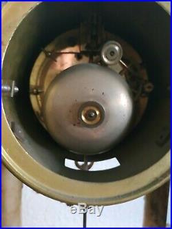 Pendule Bronze Et Marbre De Style Louis XVI
