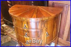 Petite commode console demi-lune dos de canapé à décor marqueté style Louis 16