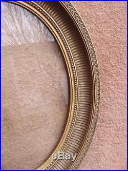 Rare cadre ovale en bois et stucs dorés à canelures style Louis XVI fin XIXe S
