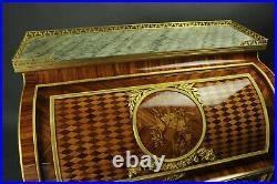 Secrétaire à Cylindre De Style Louis XVI Dans Le Goût De Reisener