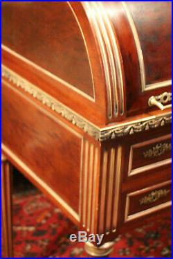 Secrétaire à cylindre bonheur du jour en acajou moucheté 19e style Louis 16