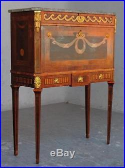 Secrétaire suédois marqueté de style Louis XVI bronzes dorés
