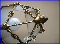 Superbe et importante lanterne en bronze de style Louis XVI en état de marche