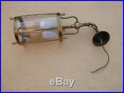 Superbe lanterne en laiton de style Louis XVI en état de marche