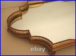 Surtout. Centre de table en métal doré de style Louis XVI. Plateau de service