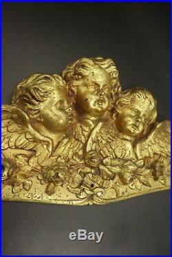 TRÈS GRAND FRONTON ESTAMPILLÉ, AUX ANGES, STYLE LOUIS XVI, XIXe BRONZE 51 cm