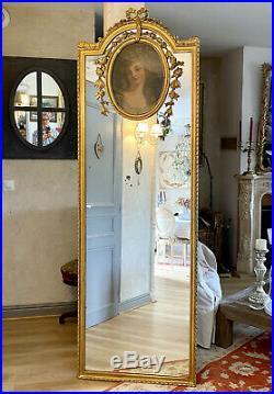 TRUMEAU DU 19eme EN BOIS ET STUC DORÉ DE STYLE LOUIS XVI A DECOR D' UN PORTRAIT