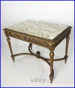 Table De Milieu D'époque Napoléon III En Bois Doré Et Sculpté De Style Louis XVI
