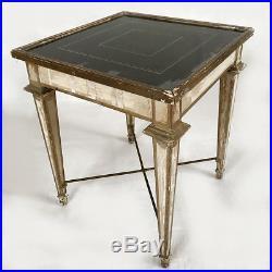 Table basse de style Louis XVI bout de canapé, bois laqué blanc rechampi or
