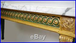 Table-console de style Louis XVI en bois laqué vert et doré, XIXème siècle