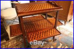Table servante à volets décor marqueté aux cubes plateau verre style Louis 16