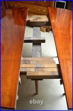 Table style Louis XVI en acajou de Cuba, 6 pieds fuselés XIXè