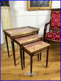 Tables Gigognes Anciennes De Style Louis XVI En Bois Avec Plateau En Marbre