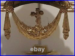 Tres Belle Garniture De Pendule En Bronze Dore Aux Amours De Style Louis XVI
